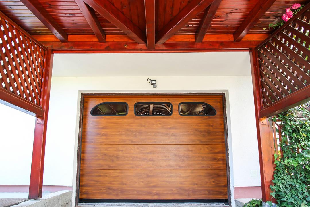 garazna vrata Medved metali